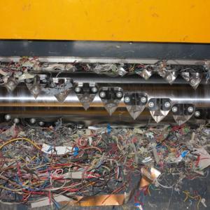 Измельчения кабеля в пре-шредере Stokkermill