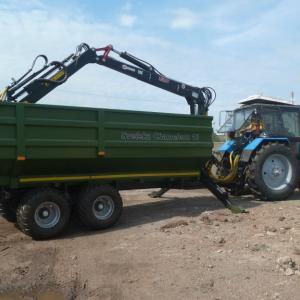 Самосвальная телега Chamelion с трактором Белорус 122